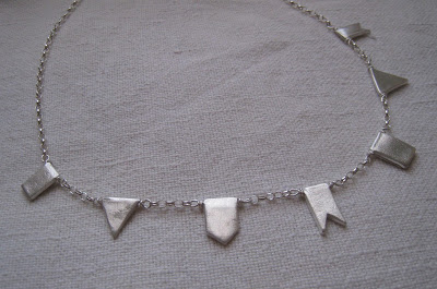 Silver pennants necklace