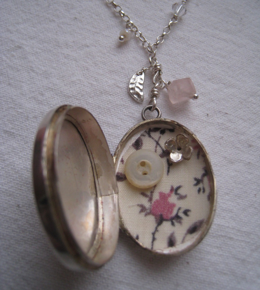 magnetic with memory locket round pin crystal gold living clasp clear lockets