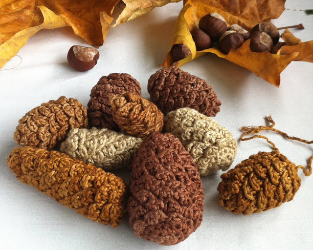 Making in winter: crocheted pinecones from Little Conkers
